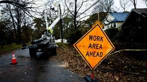 LIPA crews work to restore power in St.