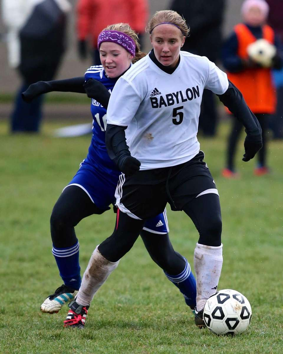 Babylon's Shelby Fredericks and Mattituck's Amanda Gatz fight