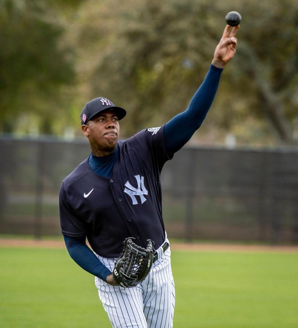 New York Yankees' pitcher Aroldis Chapman losing up