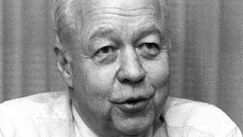 Lee MacPhail in 1985.