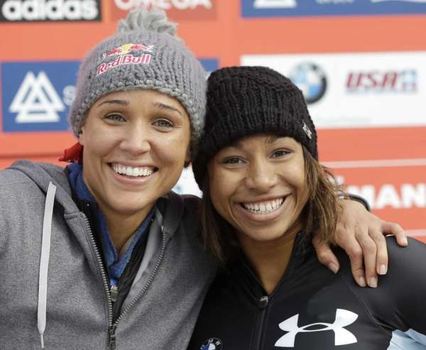 USA's pilot Jazmine Fenlator, right, and brakewoman Lolo