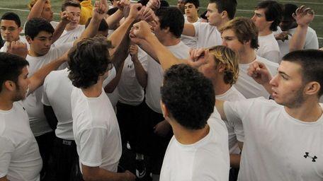 Long Beach football teammates rally together at Hofstra