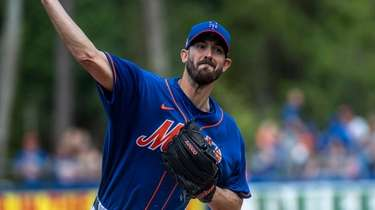 The Mets' Rick Porcello pitches during Saturday's spring