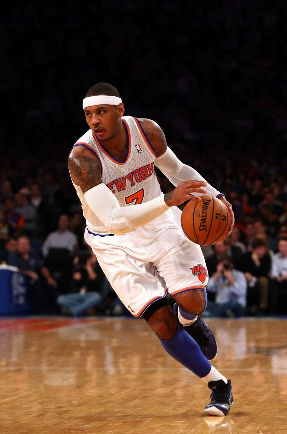 Carmelo Anthony controls the ball during a game