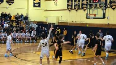 Highlights from Jericho's 74-63 victory in the Nassau