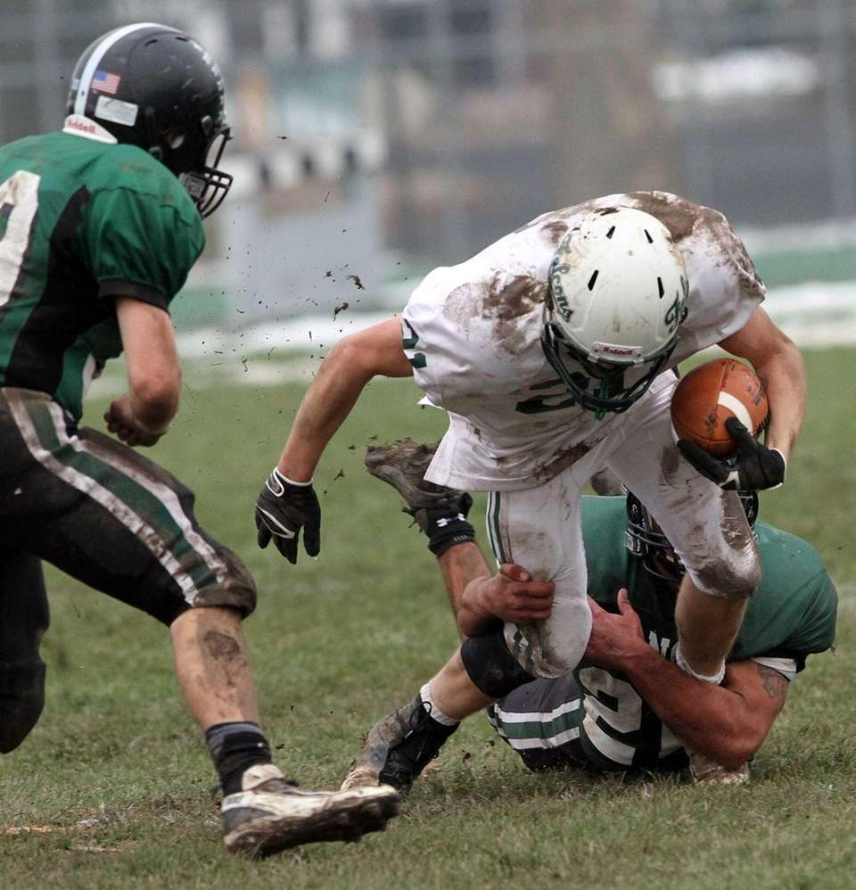 Locust Valley's Louis Jokinsky dives for a few