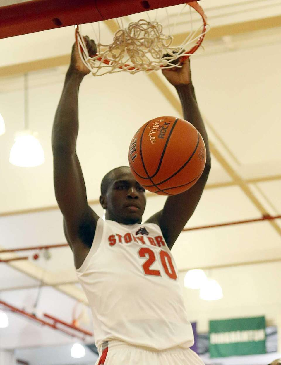 Stony Brook's Jameel Warney gets the slam dunk