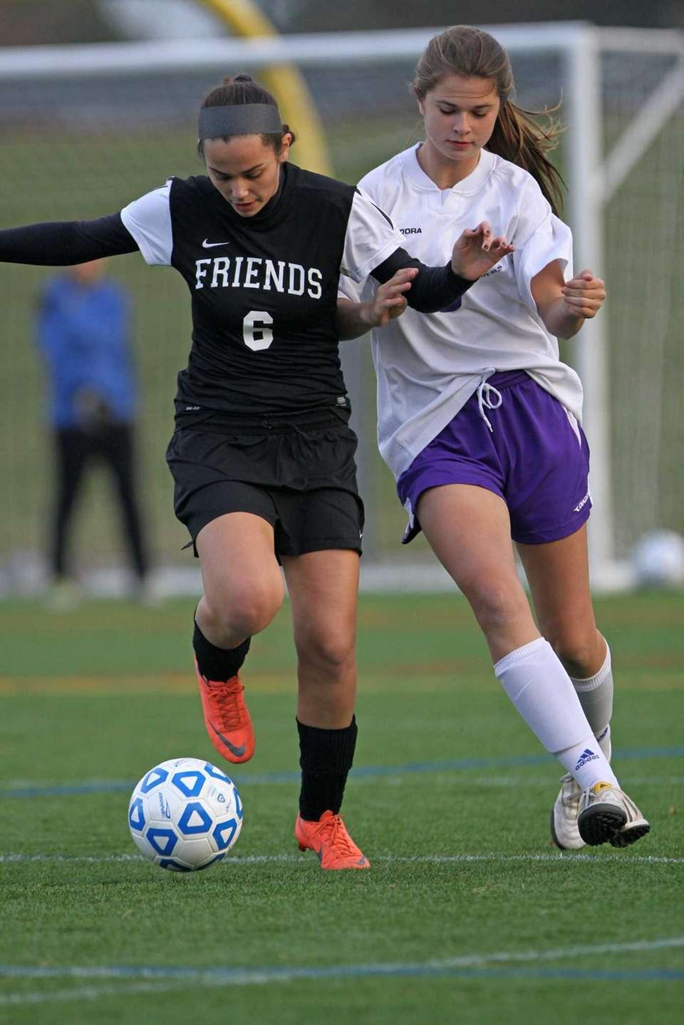 Friends Academy's Eva Valcic gets past Port Jefferson's