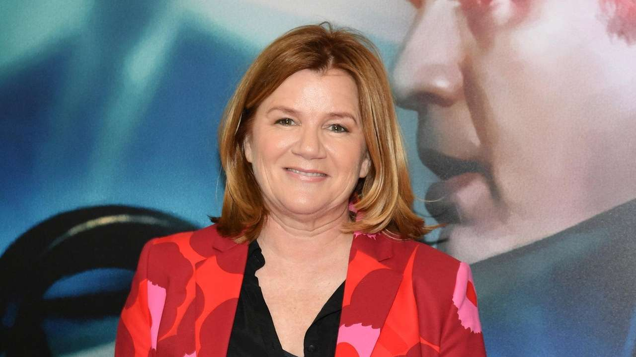 Mare Winningham talks 'Girl from the North Country,' more