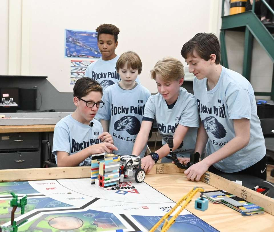 Rocky Point Middle School Robo Eagles Robotic team