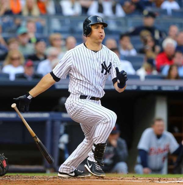 Mark Teixeira doubles in the first inning of