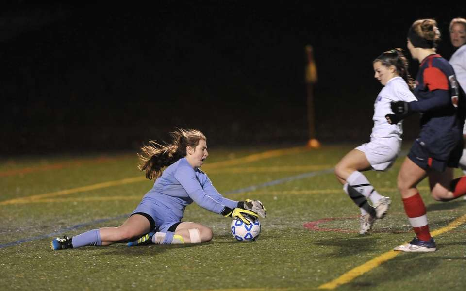 South Side goalkeeper Sarah McCarthy makes a save.