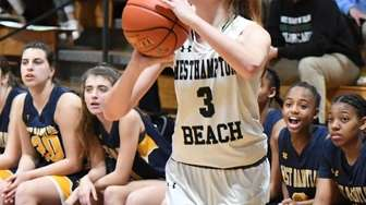 WesthamptonÕs Molly McCarthy shoots against West Babylon during