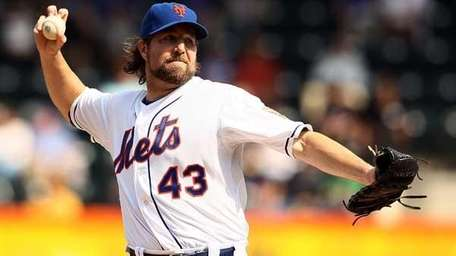 R.A. Dickey #43 of the New York Mets