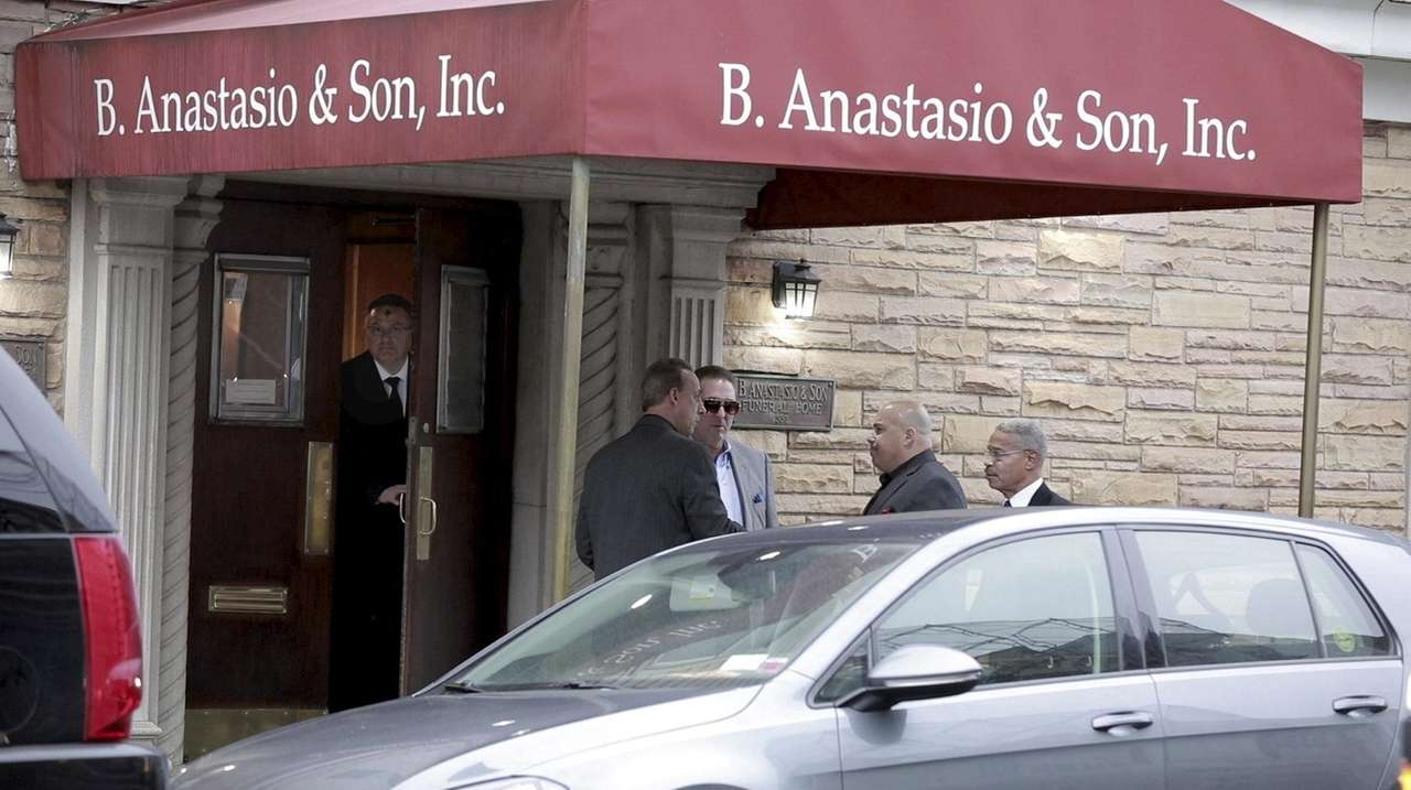 Last Respects Paid To John Quot Sonny Quot Franzese In Brooklyn Funeral Home Newsday