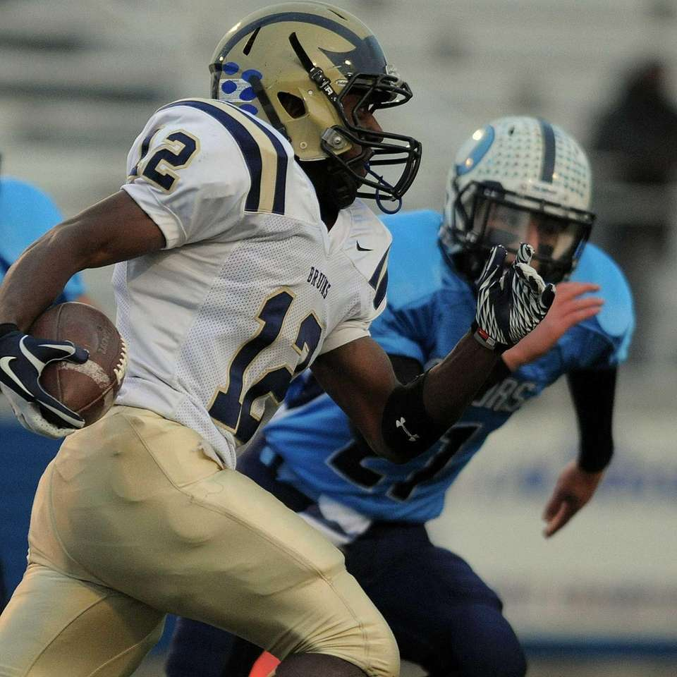 Baldwin's Jovaun Tomlinson rushes for a gain in
