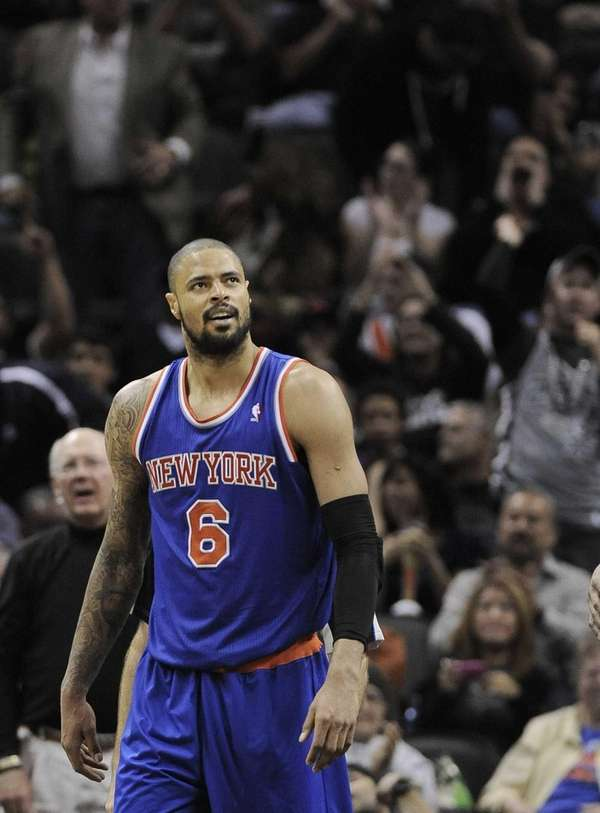 Tyson Chandler celebrates a basket during the second