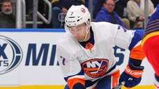 Islanders right wing Jordan Eberle scores against the