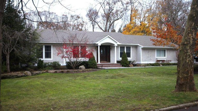 This is the home at 17 Villanova Lane