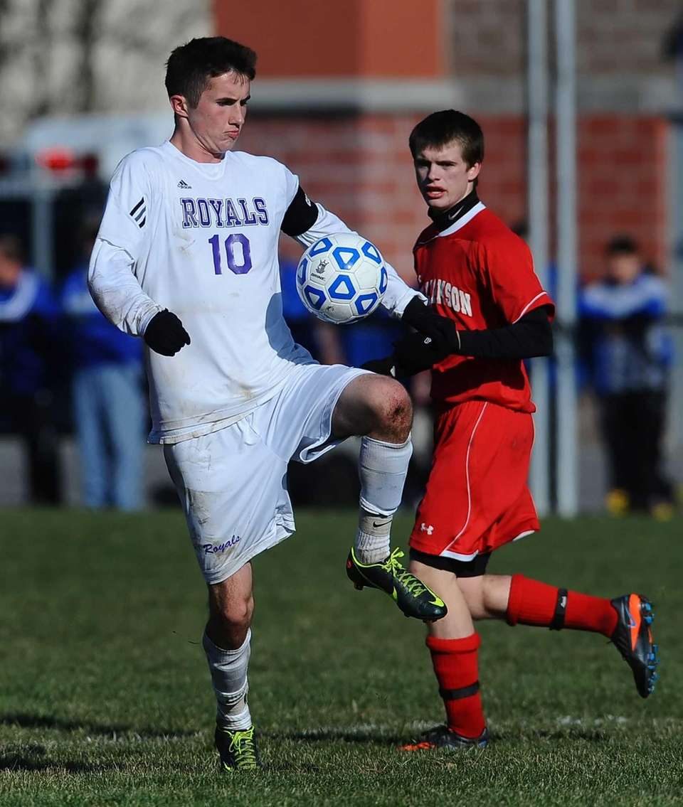 Port Jefferson's Blake Bohlen settles the ball. (Nov.