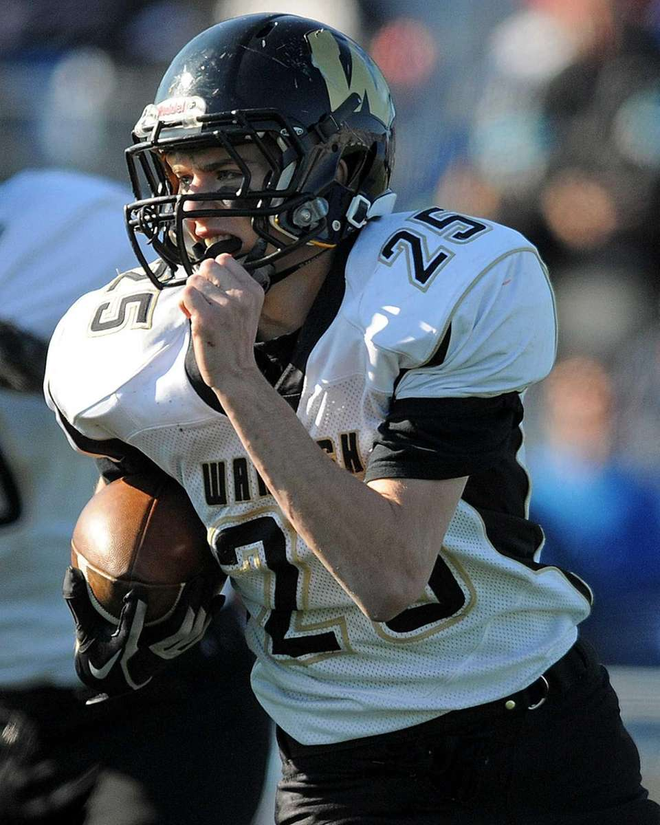 Wantagh High School running back Brandon Watson rushes