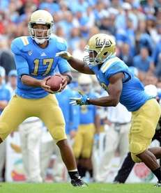PASADENA, CA - NOVEMBER 17: Brett Hundley #17