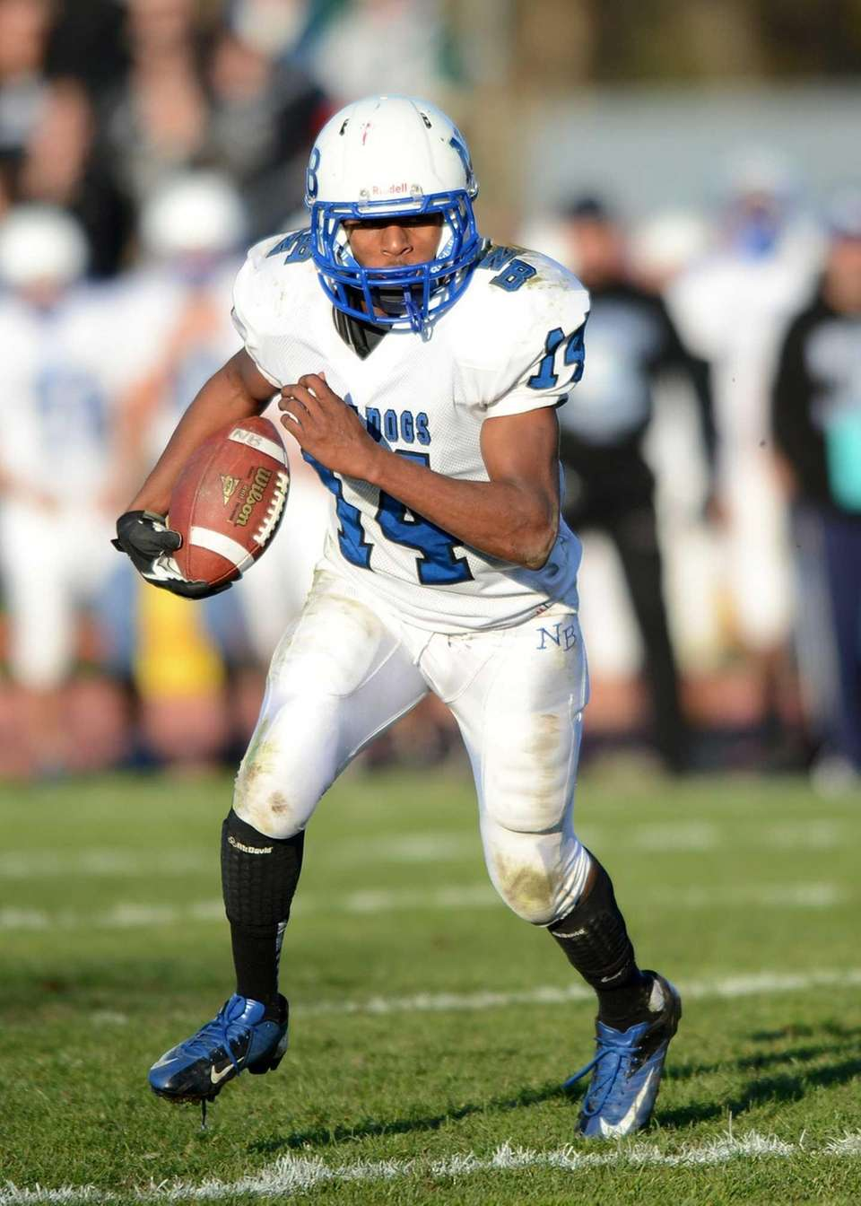 North Babylon's Melijah Previs rushes for the first