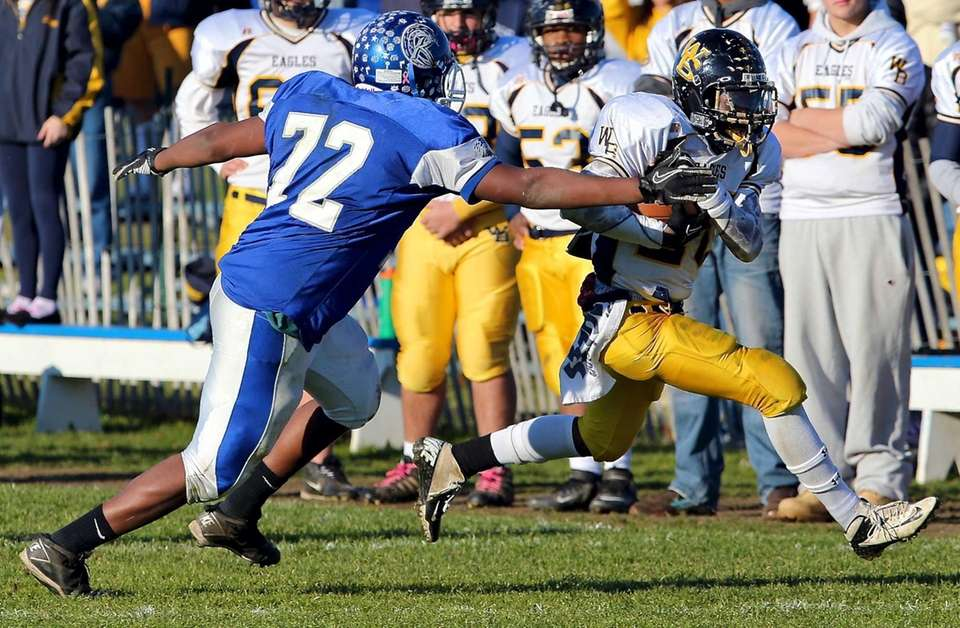 West Babylon running back Chris Lubin tries to