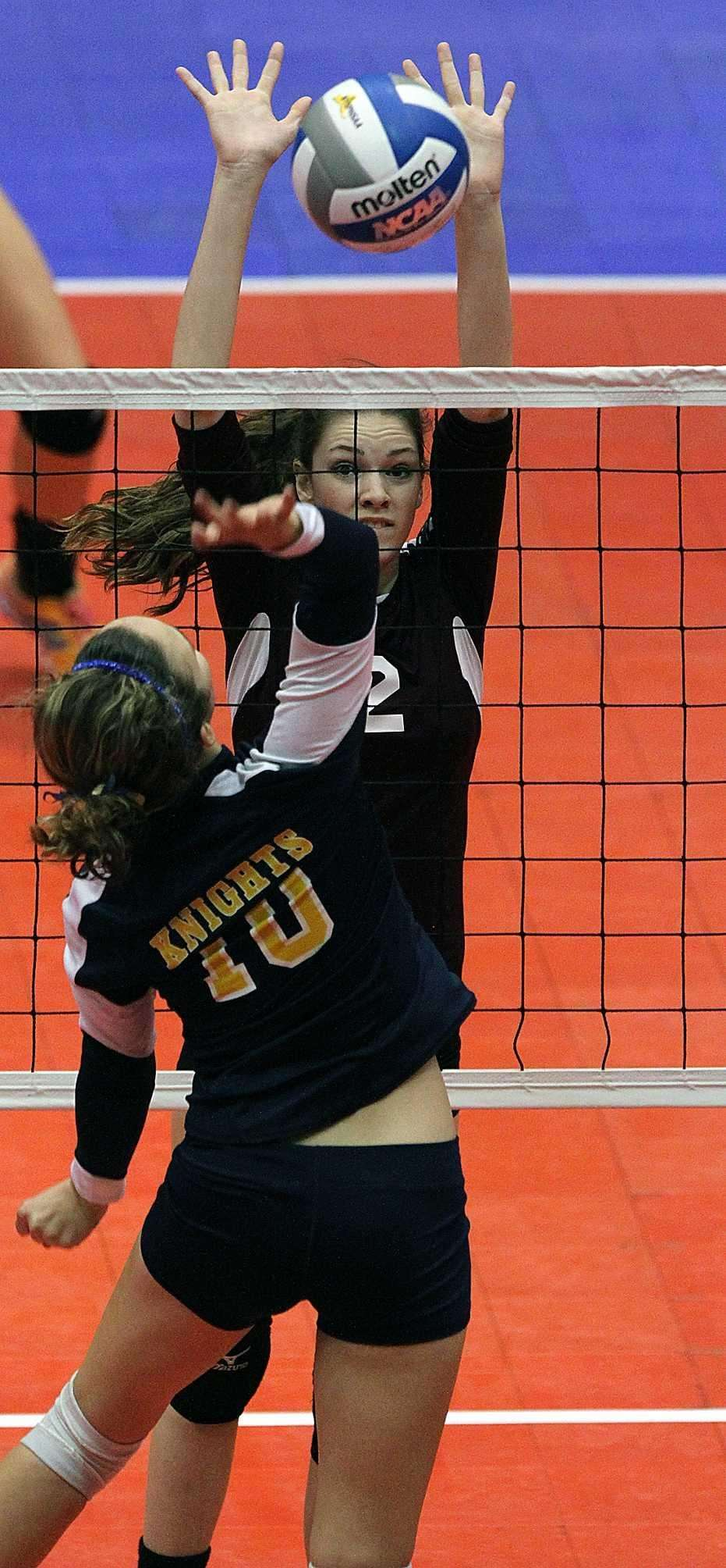 Kings Park's Kathleen Benson prepares for the block