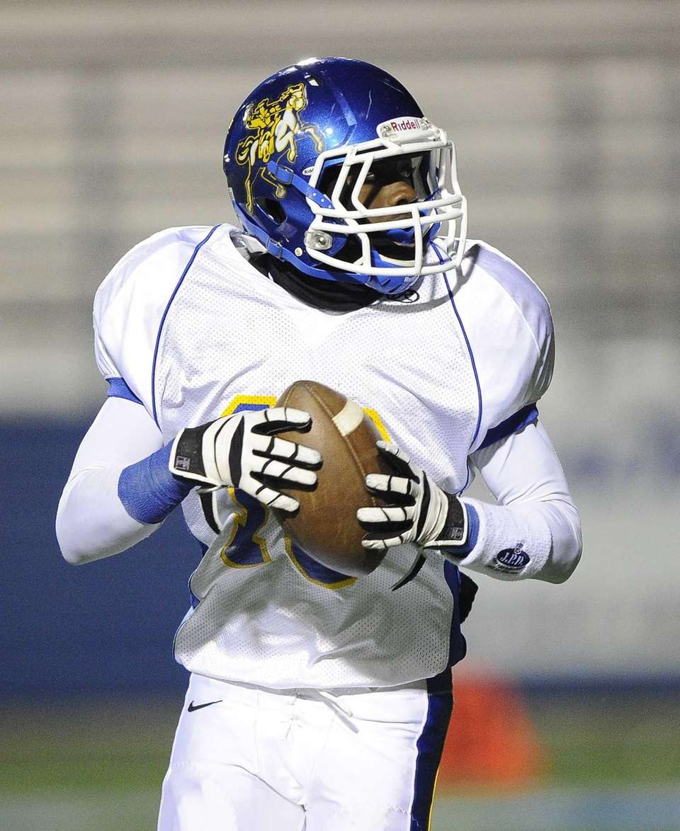 Roosevelt's Marquell Saunders looks for an open receiver