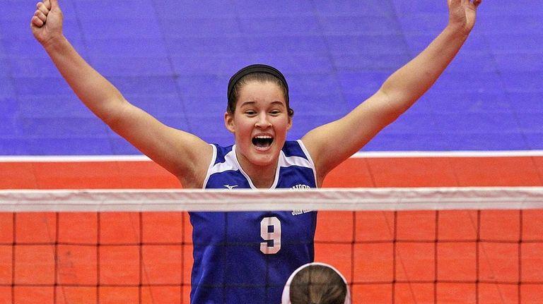Glenn's Samantha Czeczotka celebrates the win during the