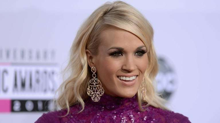 Singer Carrie Underwood attends the 40th American Music
