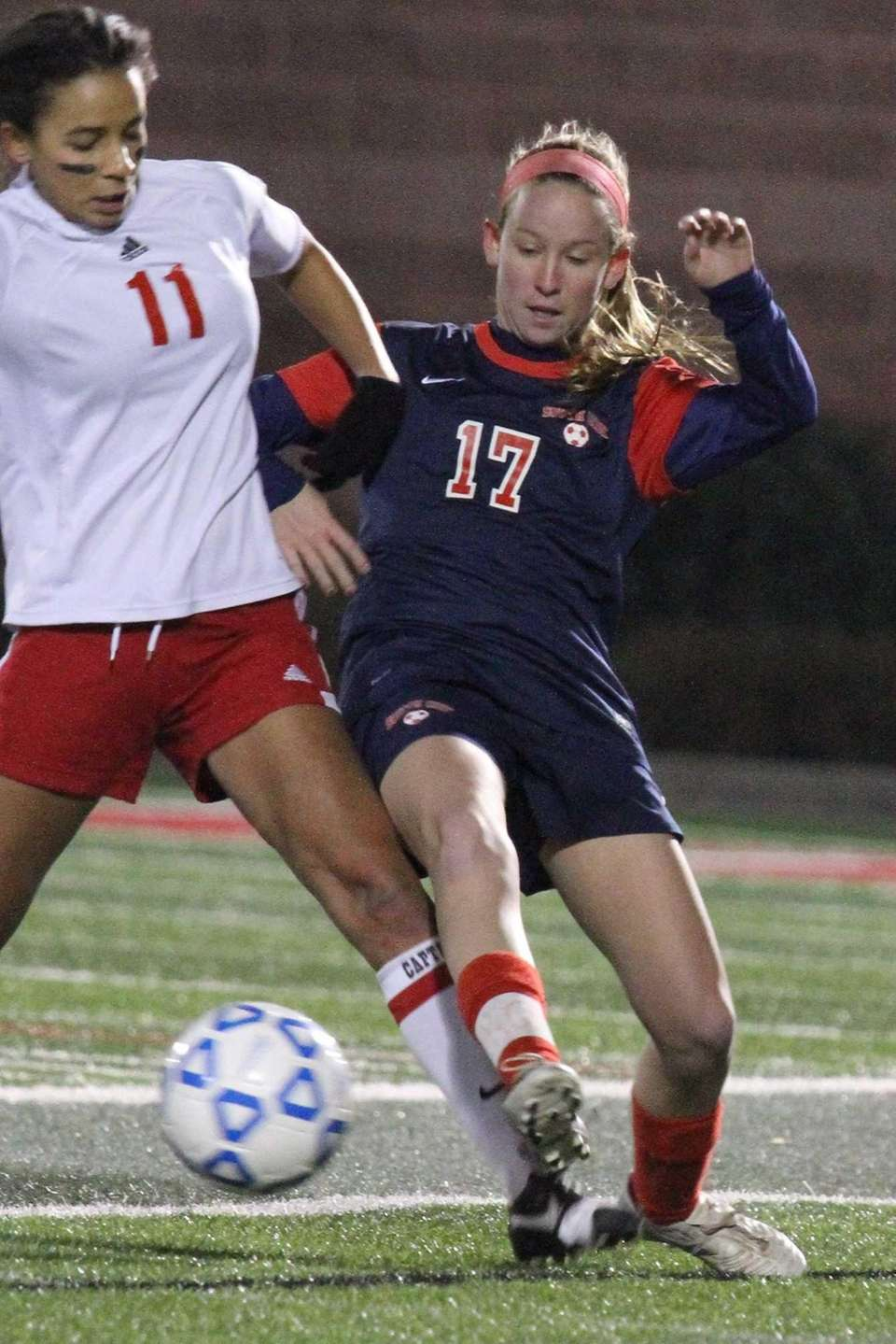 South Side's Allie Ford fights past Jessica Holmes