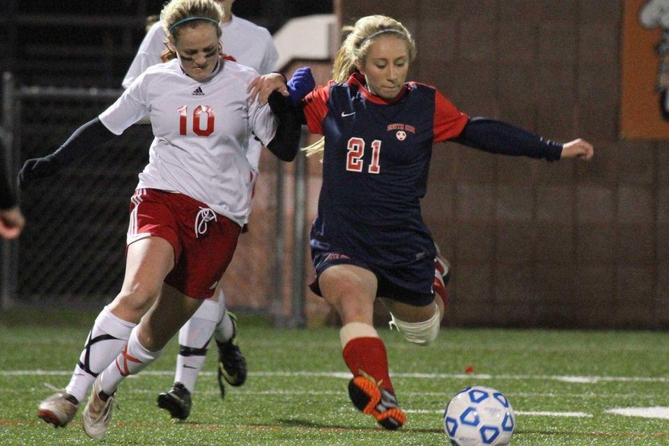 South Side's Christina Klaum fights past Julia Slisz