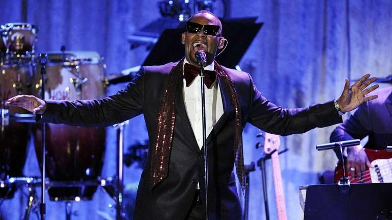 R. Kelly performs in Beverly Hills, Calif. (Feb.