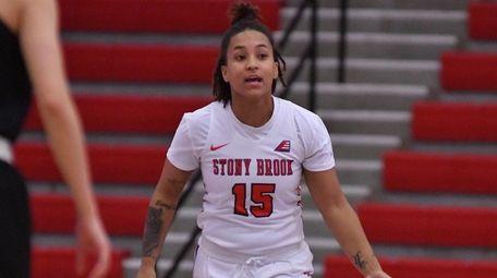 Stony Brook's Kaela Hilarie hit two clutch free
