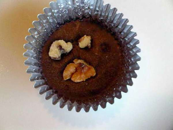 Homemade healthy chocolate-peanut butter cups. (Nov. 20, 2012)