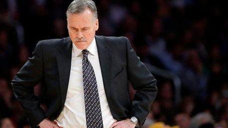 Los Angeles Lakers head coach Mike D'Antoni looks