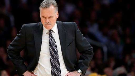 Los Angeles Lakers head coach Mike D'Antoni looks