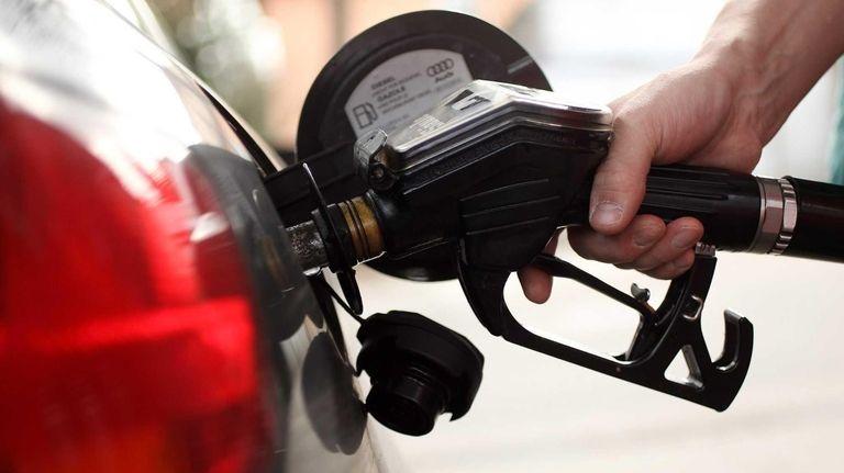 Thanksgiving travelers in 2012 will find gasoline plentiful