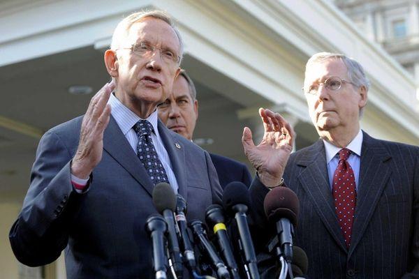 From left, Senate Majority Leader Harry Reid (D-Nev.),
