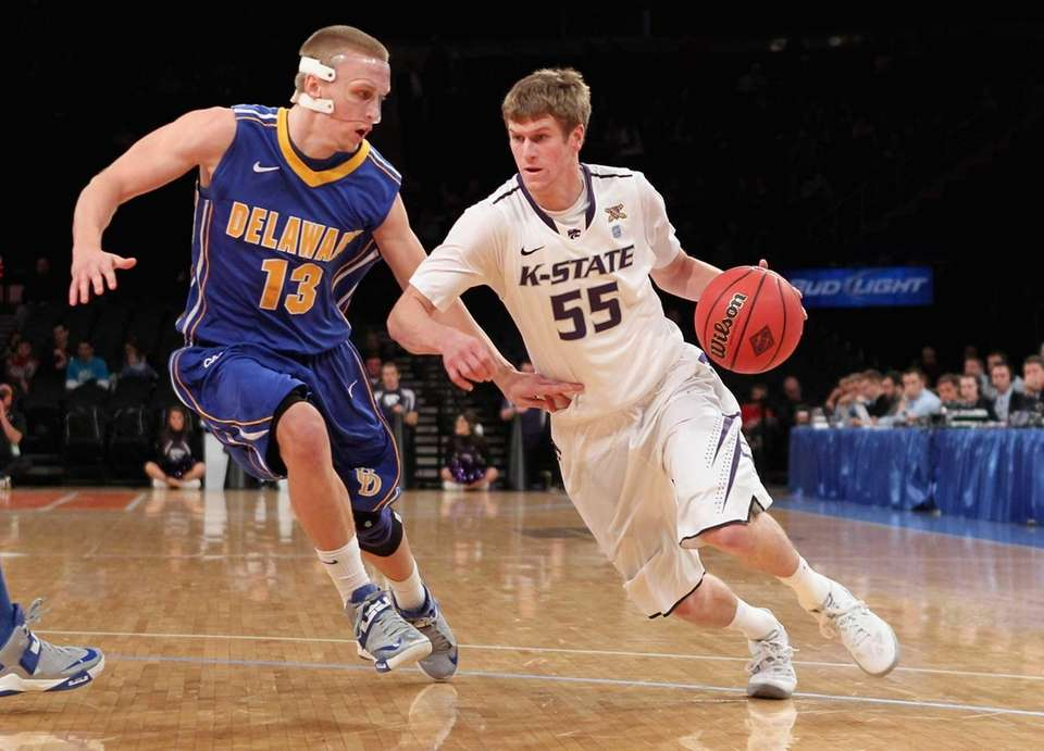 Kansas State's Will Spradling drives to the basket