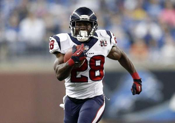 Houston Texans running back Justin Forsett breaks for