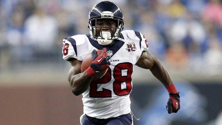 Houston Texans running back Justin Forsett breaks for