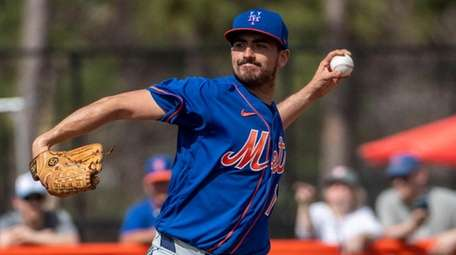 Mets pitcher Daniel Zamora during a spring training