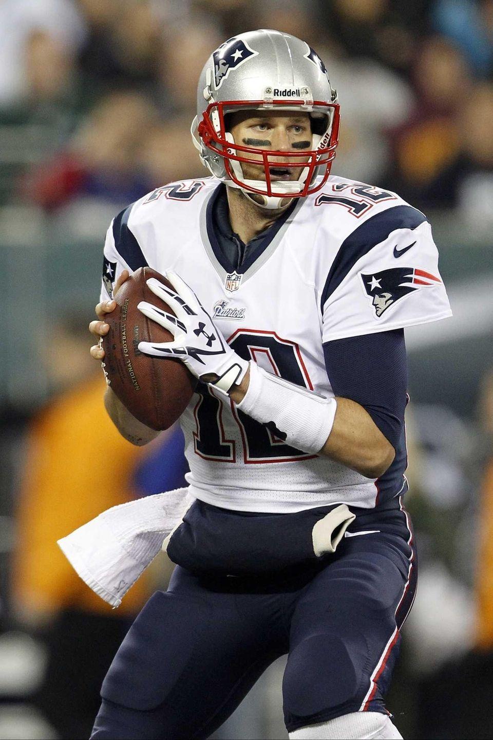 New England Patriots quarterback Tom Brady looks to