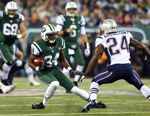 Stephen Hill of the New York Jets runs