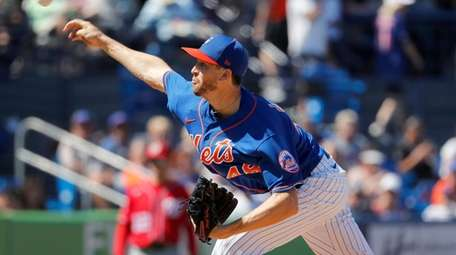 Mets pitcher Jacob deGrom throws during the second