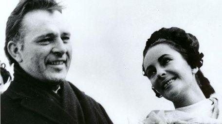 Newlyweds Elizabeth Taylor and Richard Burton arrive in
