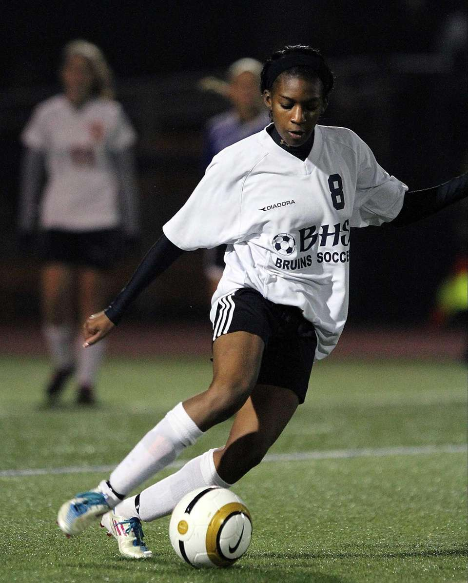 Baldwin's Nikkia Billouin controls the ball during the